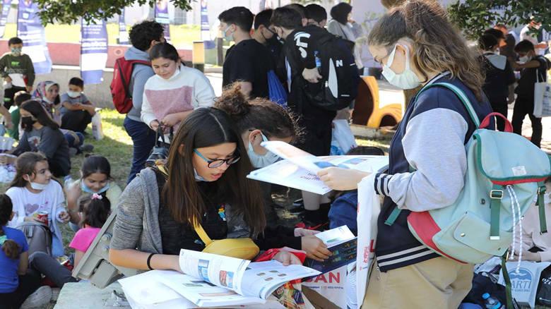 11. Antalya Kitap Fuarı'na ziyaretçi akını