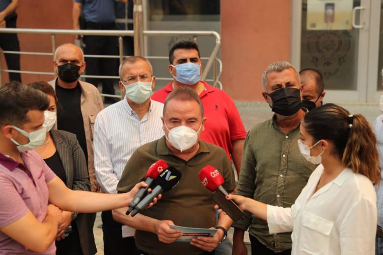 Büyükşehir 213 araç 481 personel ile yangın bölgesinde